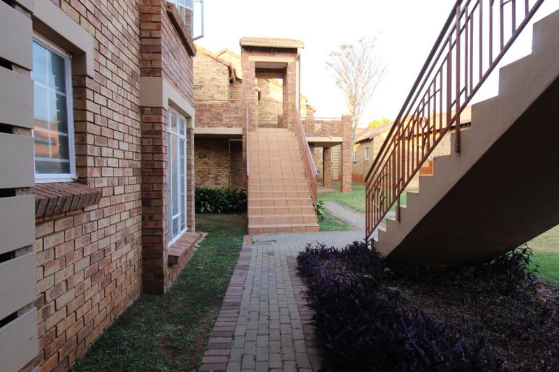 Property For Sale in Mooikloof Ridge Estate, Pretoria 9
