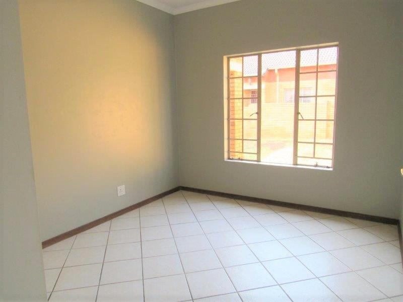 Property For Rent in Equestria, Pretoria 5