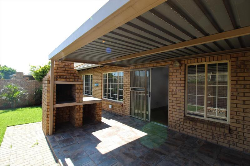 Property For Sale in Die Wilgers, Pretoria 3
