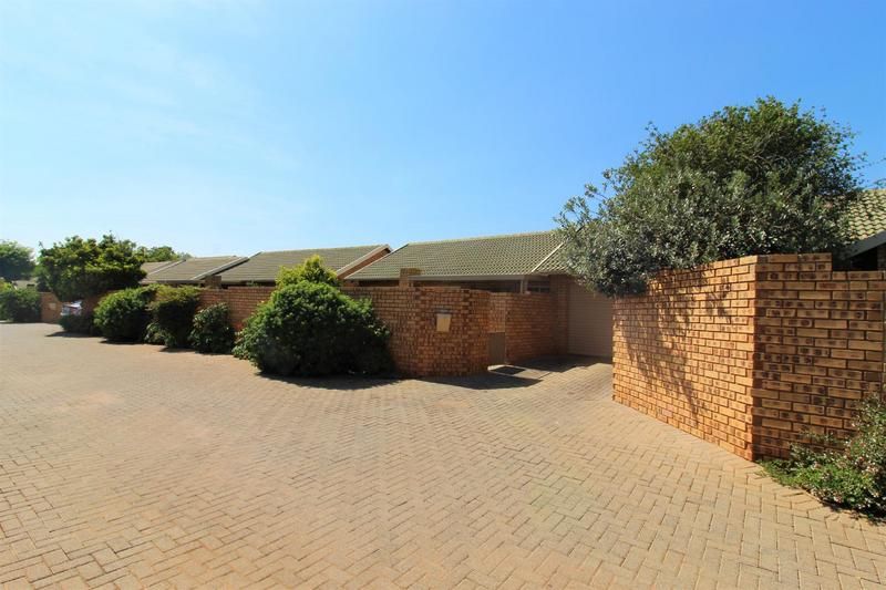 Property For Sale in Die Wilgers, Pretoria 14